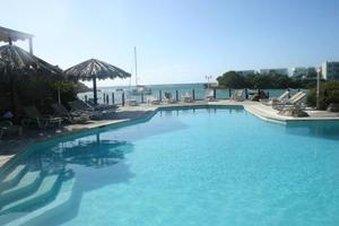 Captain Olivers Resort Uima-allasnäkymä