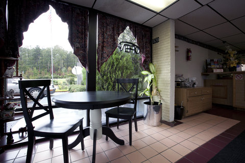 Americas Best Value Inn West Point - Lobby