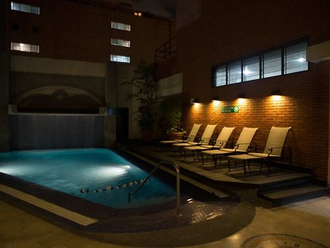 Embassy Suites by Hilton Caracas - Pool at Night