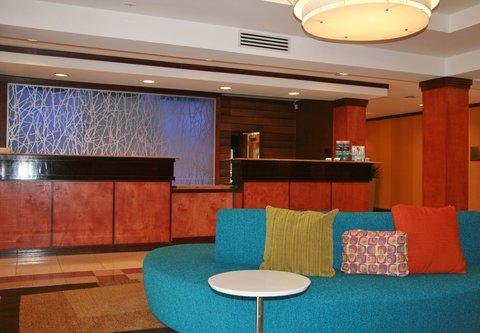 Fairfield Inn & Suites Birmingham Fultondale/I-65 - Front Desk