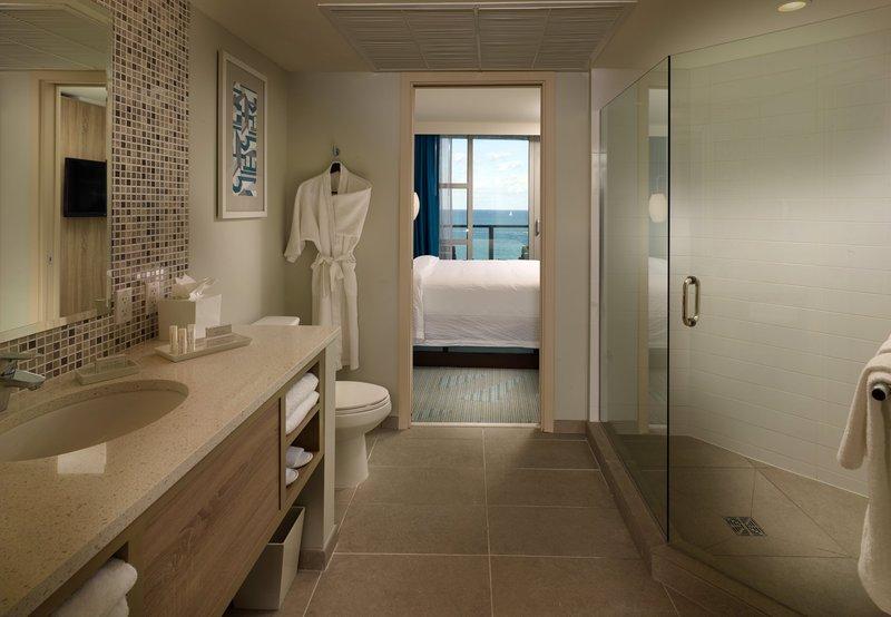 Hotel Courtyard Miami Beach Oceanfront 客室