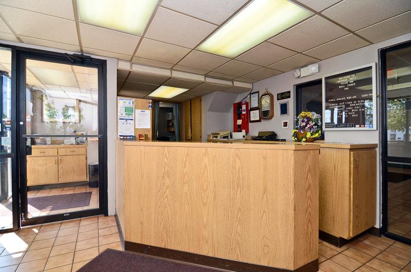Americas Best Value Inn - Centralia, IL