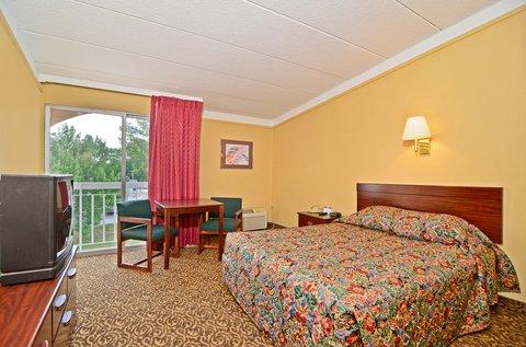 Americas Best Value Inn Bloomington - One Queen Room2