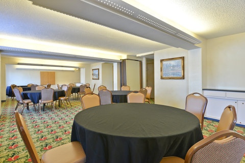 BEST WESTERN Prairie Inn & Conference Center - Meeting Room