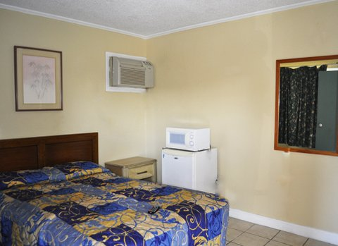 Calypso Motor Inn - Standard Single 2 Beds