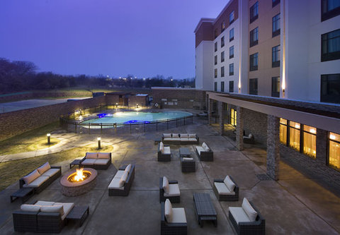 Courtyard by Marriott Dallas DFW Airport North/Grapevine - Outdoor Patio