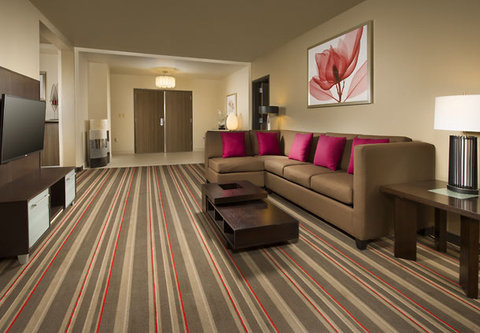 Courtyard by Marriott Dallas DFW Airport North/Grapevine - Presidential Suite   Sitting Area