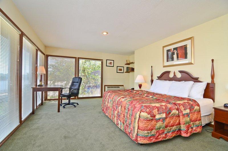 Americas Best Value Inn - Lake Saint Louis, MO