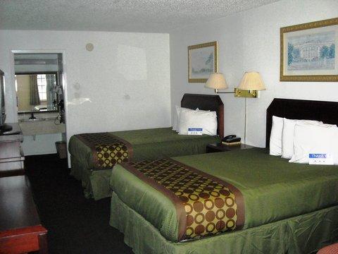 Americas Best Value Inn Bonham - Two Queen Beds