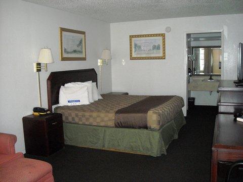 Americas Best Value Inn Bonham - One King Bed