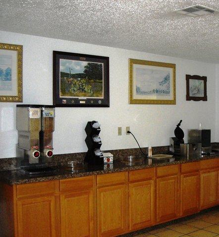 Americas Best Value Inn Bonham - Breakfast Area2