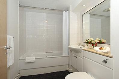 萨科诺丁汉罗普沃酒店 - SACO Nottingham - bathroom