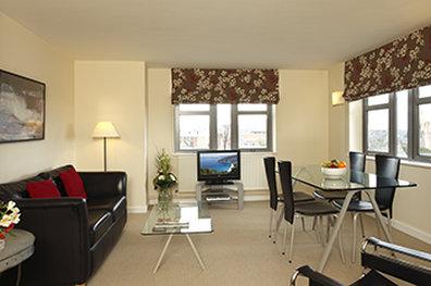 萨科诺丁汉罗普沃酒店 - SACO Nottingham - living dining area