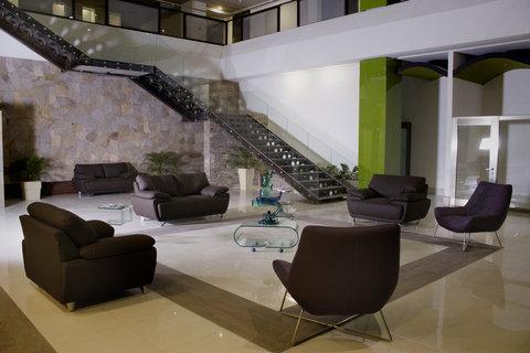 Holiday Inn QUERETARO ZONA KRYSTAL - Hotel Lobby