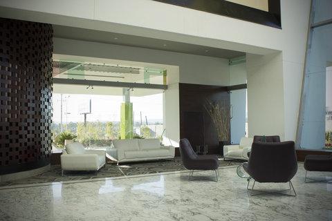 Holiday Inn QUERETARO ZONA KRYSTAL - Lobby Lounge