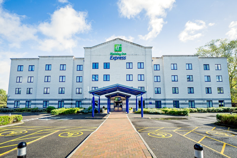 Express by Holiday Inn Poole Вид снаружи