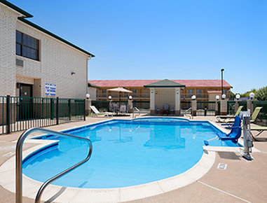 Days Inn North Dallas/Farmers Branch Pool