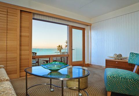 Pier South Resort, Autograph Collection - Suite Living Room