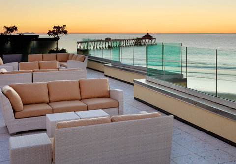 Pier South Resort, Autograph Collection - AltaMar Rooftop   Sitting Area