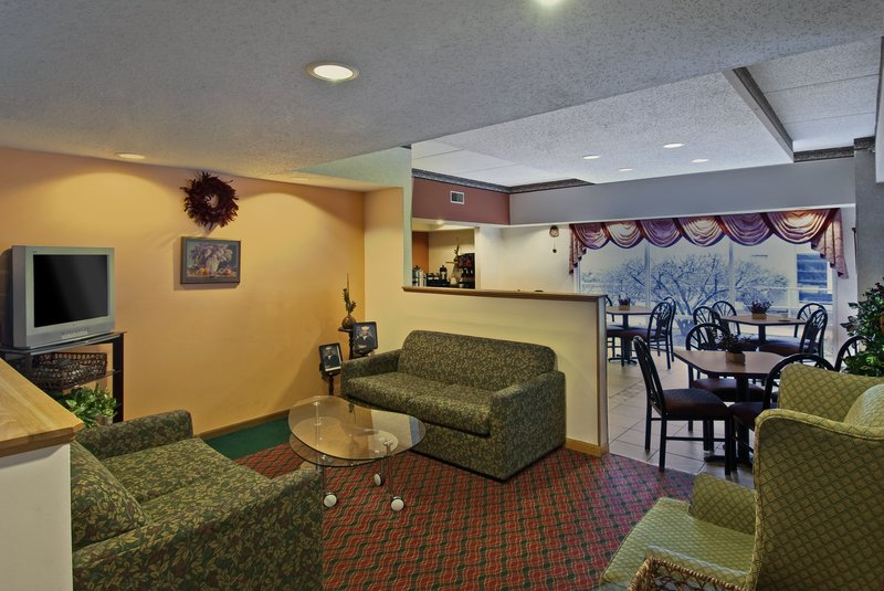 Americas Best Value Inn - Waukegan, IL