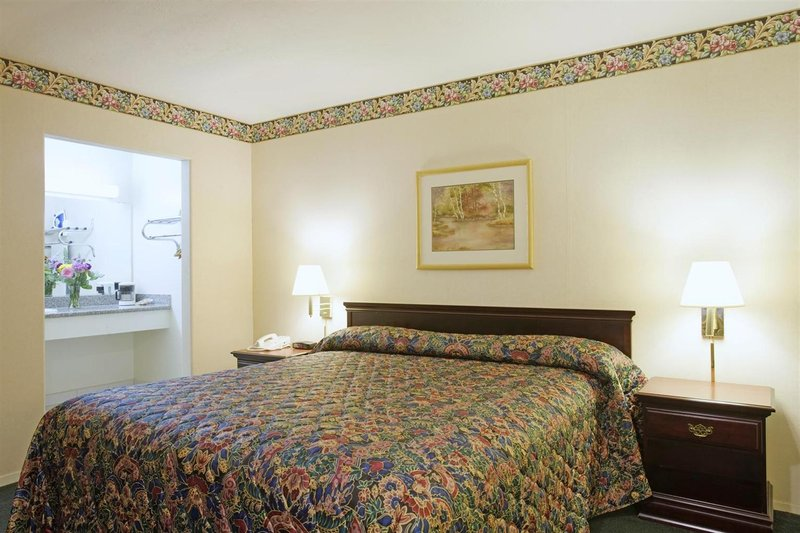 Americas Best Value Inn-Sky Ranch Vista do quarto