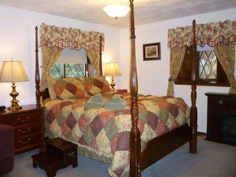 7 Gables Inn - Master Suite
