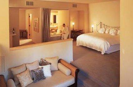 Sundara Inn and Spa - Wisconsin Dells, WI