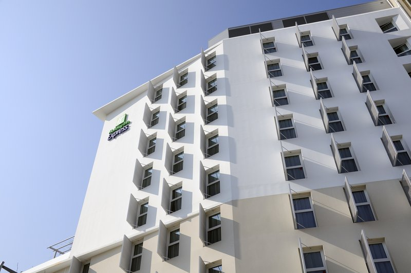 Holiday Inn Express Marseille Saint Charles Vista exterior