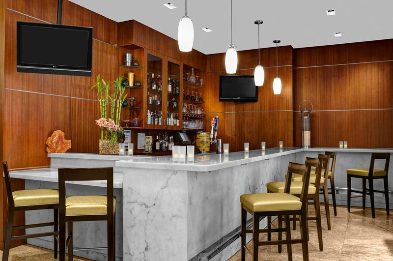 Hilton Garden Inn New York/West 35th Street Bar/lounge