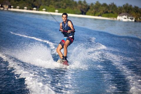 Velassaru Maldives - Wakeboarding