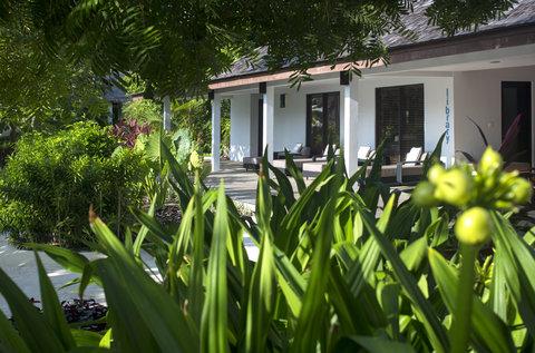 Velassaru Maldives - Velassaru Library