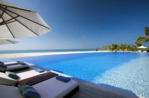 Velassaru Maldives - Velassaru Pool View