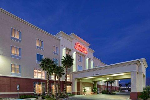 Hampton Inn - Suites El Paso West - Hotel at Night