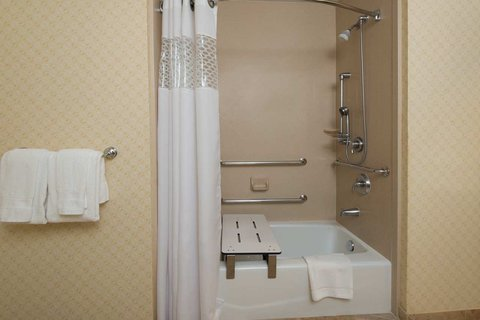 Hampton Inn - Suites El Paso West - Seated Tub