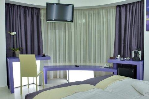 Hotel Christina - Deluxe Room