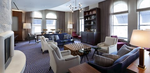 The Back Bay Hotel - Apothecary Lounge