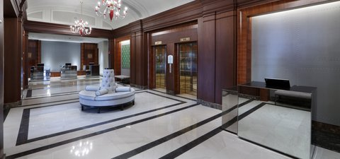 The Back Bay Hotel - Lobby Concierge Desk