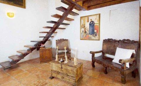 Alfiz Hotel - San Pedro Claver Room