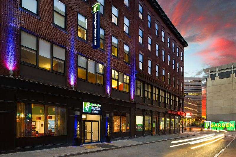 Holiday Inn Express Hotel & Suites Boston - Downtown 外景