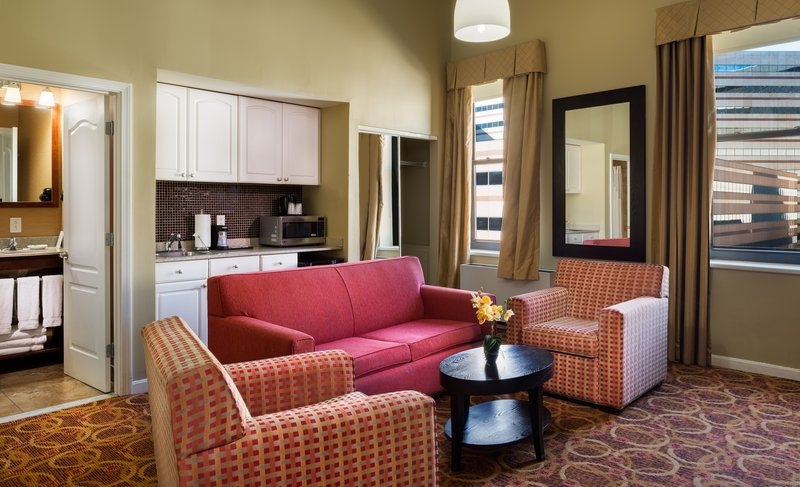 Holiday Inn Express Hotel & Suites Boston - Downtown Suite