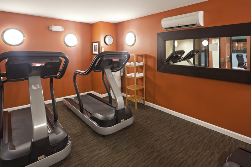 Holiday Inn Express Hotel & Suites Boston - Downtown Fitnessclub