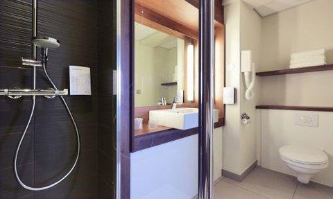 Campanile Dijon Congres Clemenceau - Bathroom