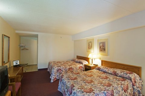 Americas Best Value Inn & Suites-Niagara Falls - Two Double Beds