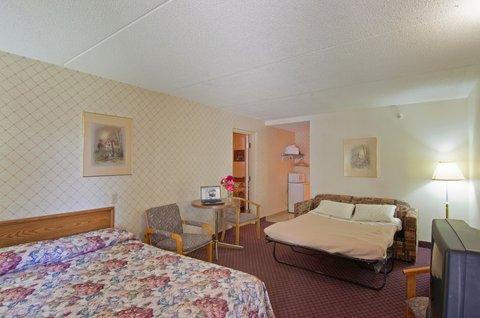 Americas Best Value Inn & Suites-Niagara Falls - Family Suite