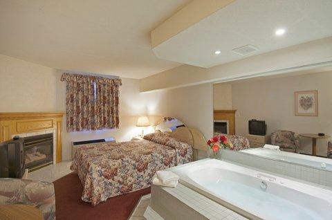 Americas Best Value Inn & Suites-Niagara Falls - Jacuzzi Suite