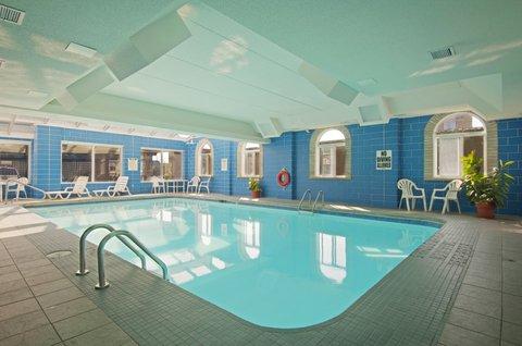 Americas Best Value Inn & Suites-Niagara Falls - Indoor Pool
