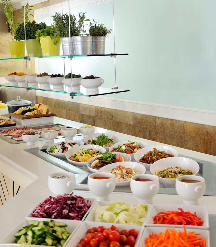 Courtyard by Marriott Dubai Green Community Gastronomia