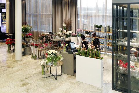 Gothia Towers - Flower Shop in Lobby at Gothia Towers Gothenburg