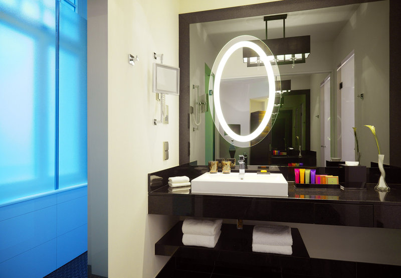 Hotel Am Steinplatz, Autograph Collection® Berlin Guest Bathroom