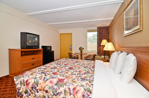 Americas Best Value Inn Athens - King Bed